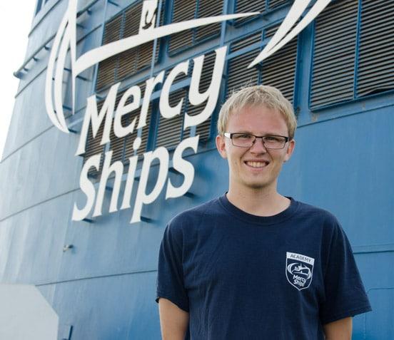 Tobias Klauke als Lehrer auf der Africa Mercy