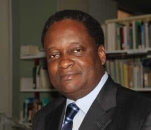 Der Leiter des Mercy Ships Afrika Büros Dr. Pierre M'Pele